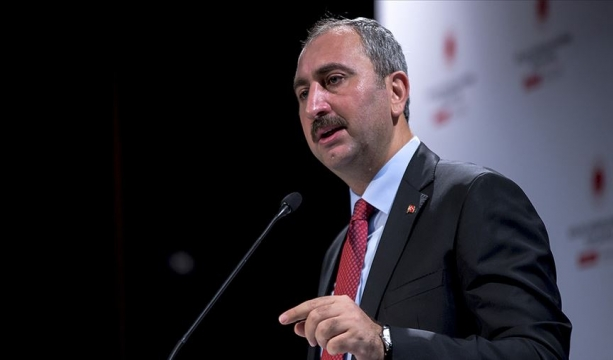 Adalet Bakanı Gül: Türkiye operasyonu uluslararası hukuk çerçevesinde sürdürmektedir